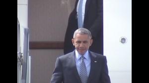 obamawalksdownairstairs